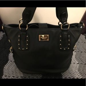 EUC Michael Kors Big Valley Shoulder Bag in Black